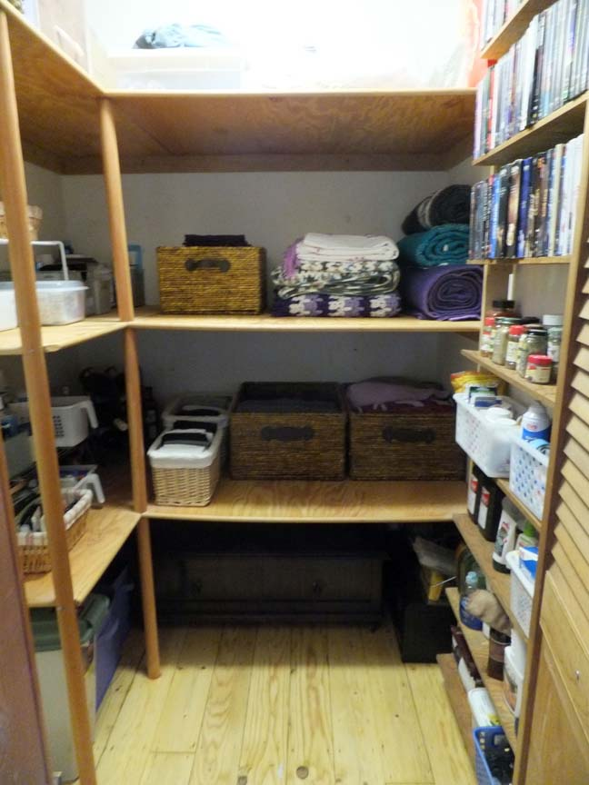 Organize_closet_after_center_web