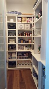 pantry_bella_organizing